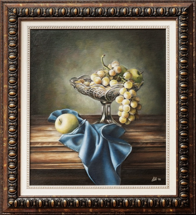 Grapes and blue napkin