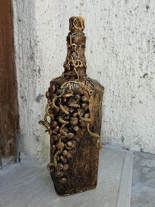 Bottle of grapes