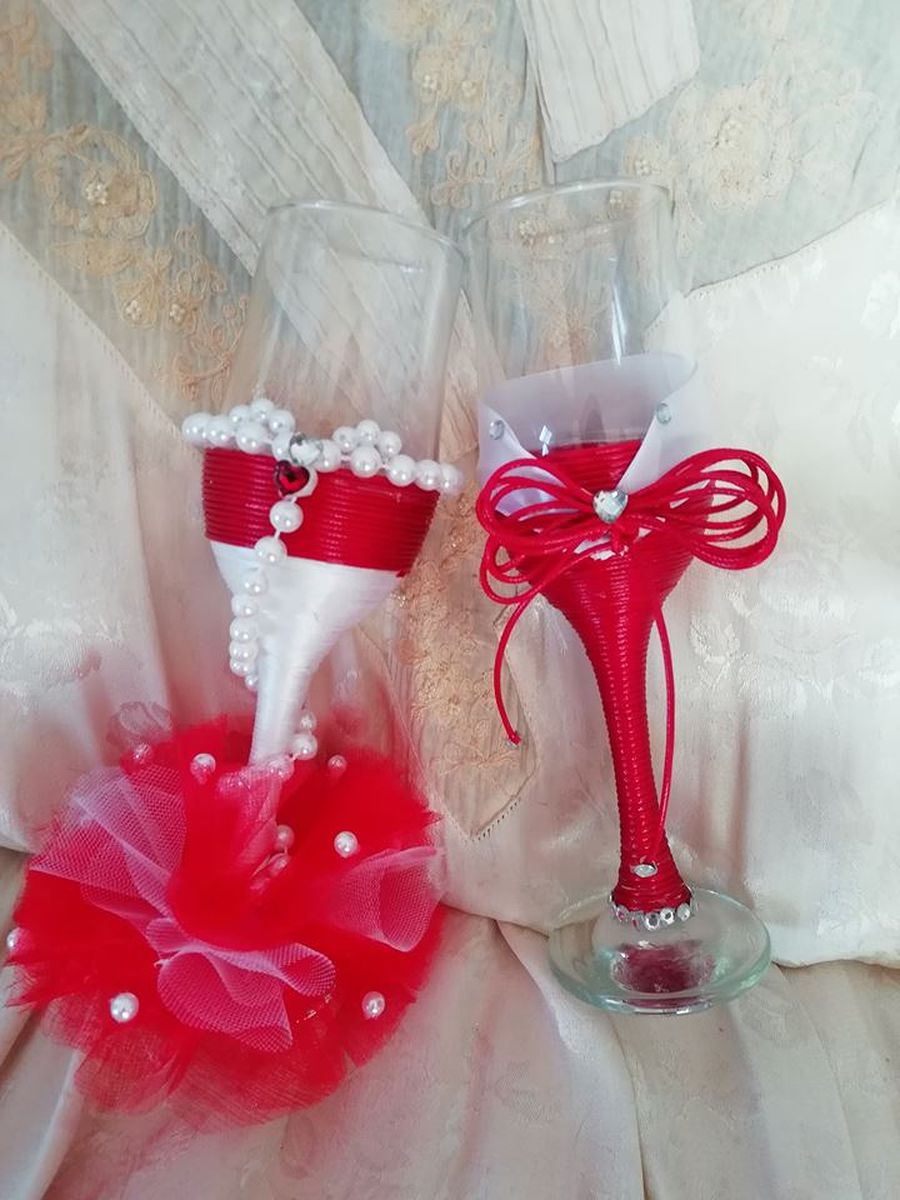 Champagne glasses for special occasions