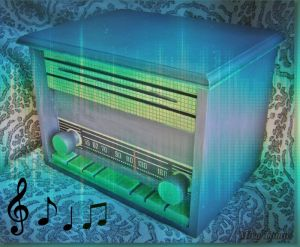 Old Radio box chalk paint decoupage retro vintage